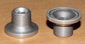 ROTOR  _140 Šroub do osy pravé kliky 3D+  ( 30mm osa )